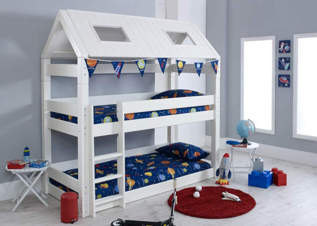 Majakujuline voodi
